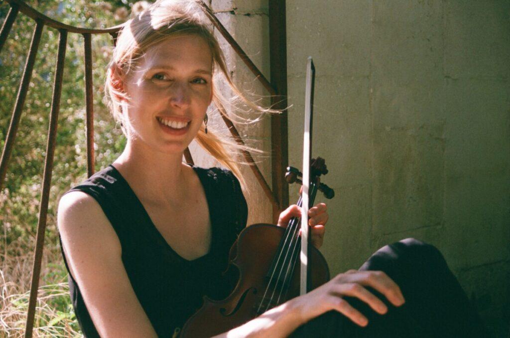Maak kennis met Roos van Well, onze nieuwe viooldocente